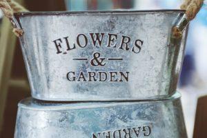 El acero, otra maravillosa opción para Macetas y jardineras