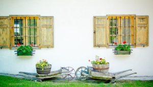 La madera y su uso en Macetas y Jardineras