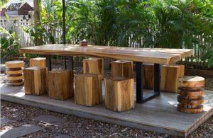 como limpiar muebles de jardín de madera
