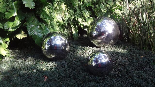 decoración con bolas en acero