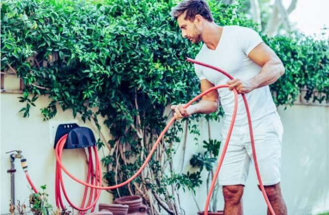 carros, accesorios y demás para la manguera de tu jardín